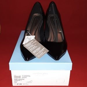 Black heels, 6 1/2W, Comfort Plus by Predictions